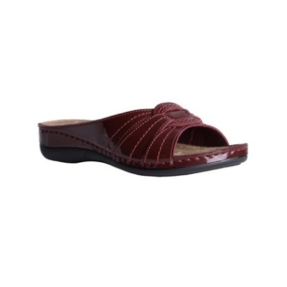 Yew-shiny-Bordeaux-low-wedge-comfort-mule-1